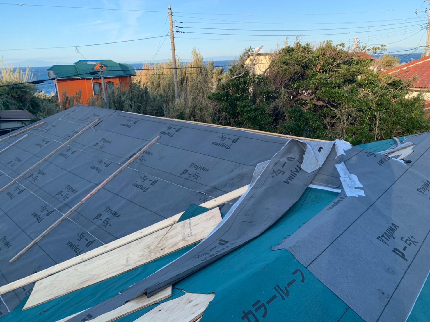 屋根材の下に敷く防水シート(ルーフィングシート)についてのご案内です。